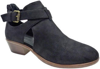 Wild Diva Women's Casual boots BLACK - Black Buckle-Accent Manny Ankle Boot - Women