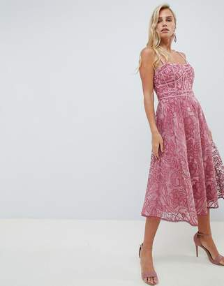 Forever New Lace Prom Dress in deep rose-Pink