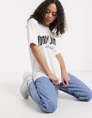 Tommy Jeans diagonal logo t-shirt in white