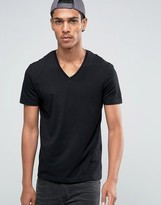 Celio V-Neck T-shirt in Slim Fit