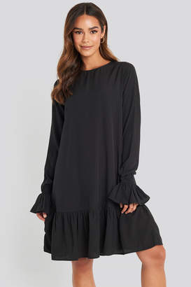 NA-KD Round Neck Flounce Mini Dress Black