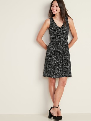 Old Navy Sleeveless Waist-Defined V-Neck Dress for Women