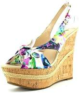 GUESS Womens Delilan Open Toe Casual Platform Sandals.