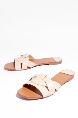 Nasty Gal Womens The Woven Ones Faux Leather Flat Sandals - Beige - 3