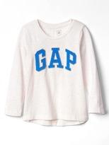Gap Logo hi-lo tee
