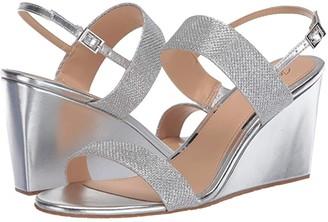 Badgley Mischka Nisa (Light Gold) Women's Shoes