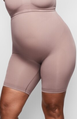 SKIMS Sculpting Seamless Mid Shorts