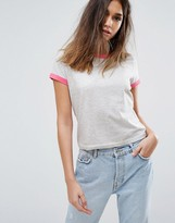 boohoo T-Shirt With Contrast Collar