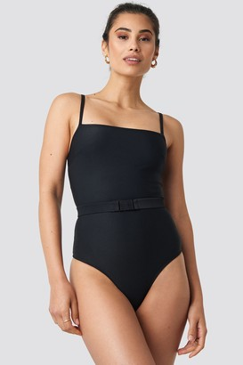NA-KD Hannalicious X Thin Strap Structured Belted Swimsuit Black