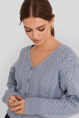 NA-KD Cable Knitted Short Cardigan Beige