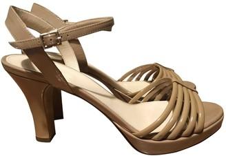Max Mara Beige Patent leather Sandals