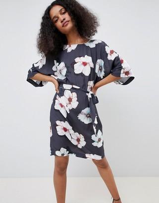 MBYM Floral Kimono Dress