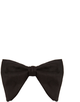 Gucci Oversized silk bow tie