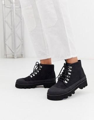 Asos Design DESIGN Astound chunky mud guard hiker in black