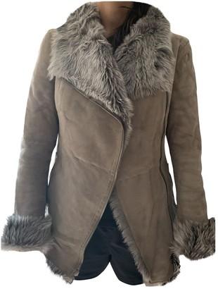 Ventcouvert Grey Faux fur Coat for Women