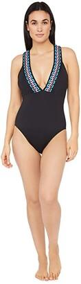La Blanca Macrame Solids Multi Strap Cross-Back Plunge Mio One-Piece (Black Moon) Women's Swimsuits One Piece