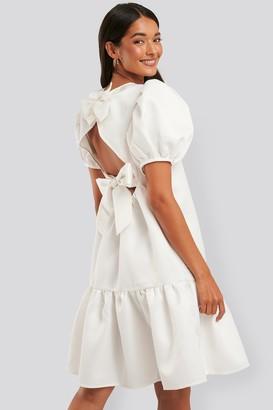 NA-KD Tie Back Structured Dress