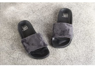 Luxe Faux Fur FAUX SHEEPSKIN FUR SLIDES - GREY W/BLACK SOLE SIZE 5/6