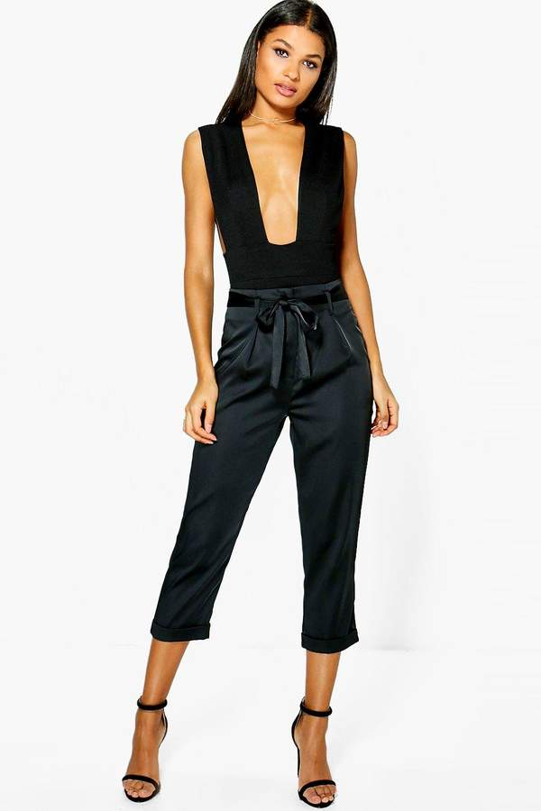 boohoo Ayah High Waist Belted Cropped Trousers black