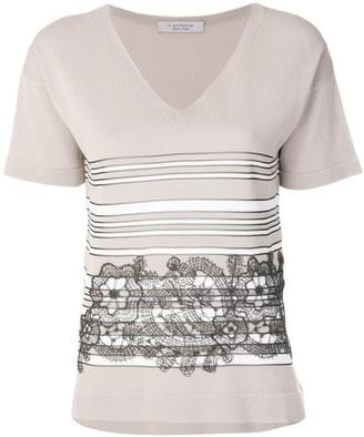 D-Exterior lace detailed T-shirt