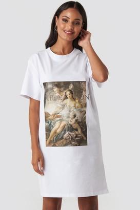 NA-KD Expectation T-shirt Dress