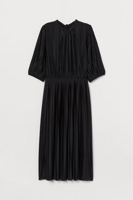 H&M Pleated Dress - Black