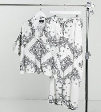 ASOS DESIGN Maternity scarf print short sleeve shirt & trouser pyjama set in white