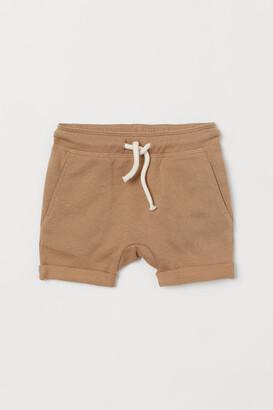 H&M Appliqued shorts