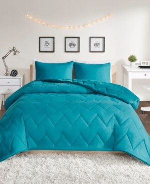 Intelligent Design Kai King Solid Chevron Quilted Reversible Microfiber to Cozy Plush 3 Piece Comforter Mini Set Bedding