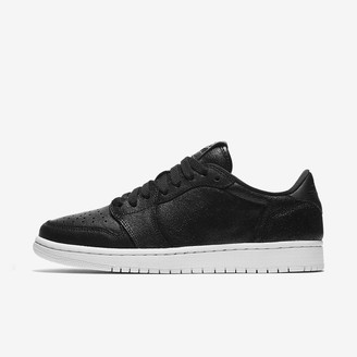 Nike Women's Shoe Air Jordan 1 Retro Low NS
