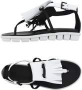 VIC Toe strap sandals - Item 11004316