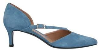 Yosh Sandals
