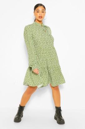 boohoo Plus Ditsy Print Tie Neck Smock Dress