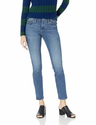 Lee Uniforms Lee Women's Flex Motion Regular Fit Skinny Leg Jean