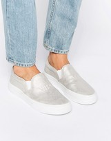 Pull&Bear Slip On Sneakers