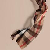 Burberry The Lightweight Cashmere Scarf in Check