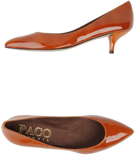 Paco Gil Closed-toe slip-ons
