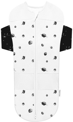 Happiest Baby Snoo Sack White with Black Planets, white stars on black wings, Medium