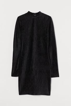 H&M Crinkled Velour Dress - Black