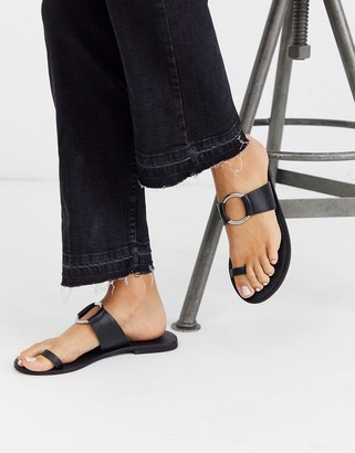 Asos Design DESIGN Feline leather toe loop sandal in black