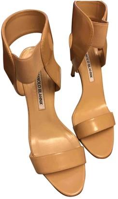Manolo Blahnik Beige Patent leather Sandals