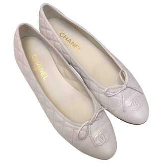Chanel White Leather Ballet flats