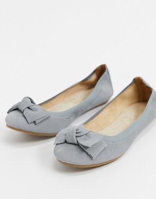 Accessorize leather bow ballet flats in gray