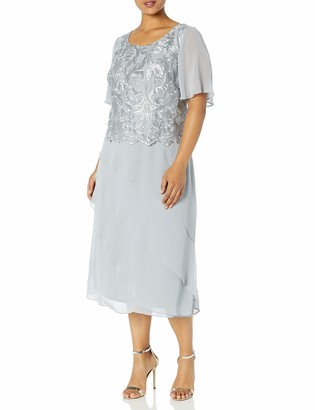 Le Bos Women's Plus Size Embroidered Asymmetrical Tiered Dress with Flared Sleeves