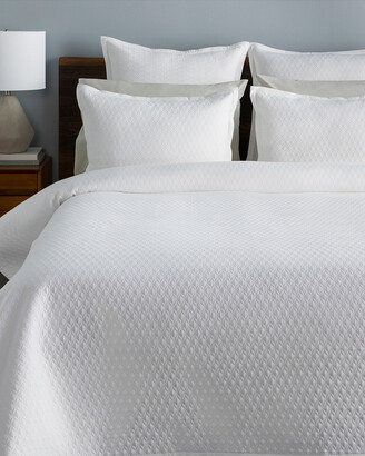 Surya White Briley Solid & Border Quilt Set