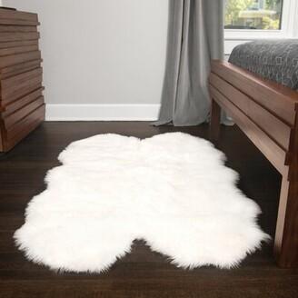 Everly Quinn Ilka Faux Fur White Area Rug