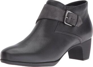 SoftWalk Women's Imlay Boot