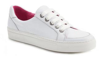 Cara White Sneaker