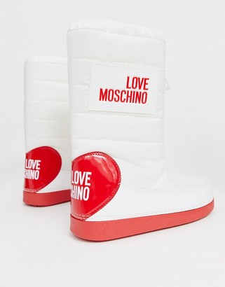 Love Moschino snow boots