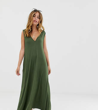 Asos DESIGN Petite plunge trapeze maxi dress-Green